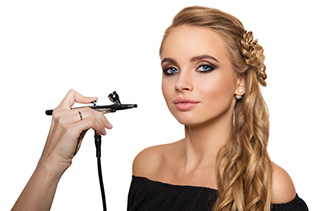 Airbrush Make-up im Salon oder mobil